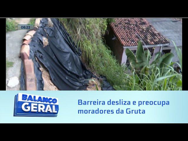 Grota do Aterro: Barreira segue deslizando e preocupa moradores da Gruta de Lourdes