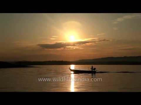 Sunrise at Denwa river - Madhya Pradesh