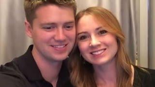 Baby-Überraschung und Heiratsantrag im Fotoautomaten