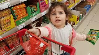 RABIA ŞOK MARKETE GİTTİ!! Alışveriş  yapti ve birsürü aburcubur aldi. Eğlenceli çocuk videosu..