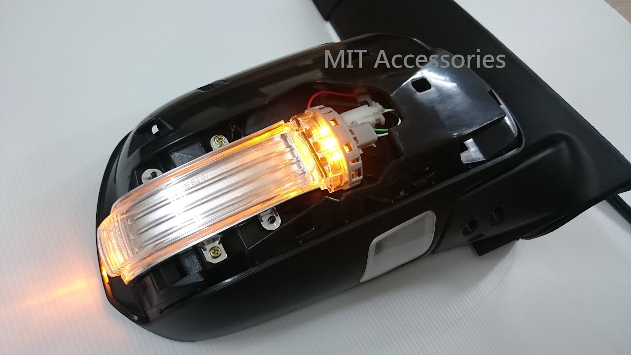 maxresdefault toyota sienna 2011 2014 power folding mirror turn signal puddle  at edmiracle.co