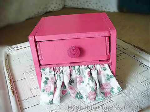 Tutorial comodino e dondolo per bambole fai da te youtube for Tipi di schierandosi per le case