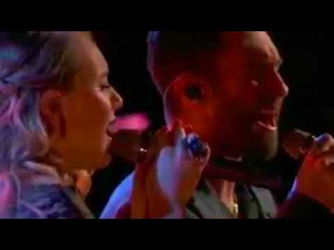 """Addison Agen And Adam Levine Duet """"Falling Slowly"""" On The Voice 2017 Top 4 Finale"""