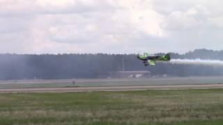 Smoke-N-Thunder jet car races plane - Shaw Air Expo