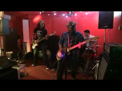 Kugiran D'Tepi Pantai - LIVE in U-Rock