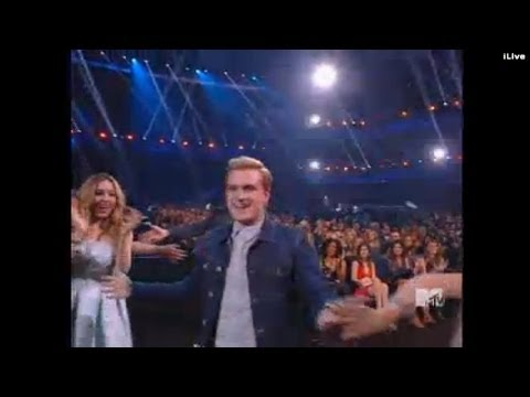 """The Hunger Games Wins """"Movie of the year"""" at Mtv Movie Awards 2014 reaction"""