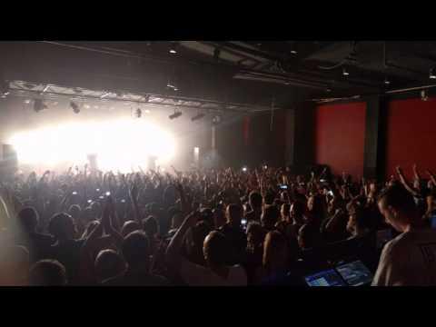 Bliss N Esso - Friend Like You + Moving Tribute To Johann Ofner Live