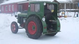 Traktor Oldtimer IFA Pionier RS01/40 im Schnee (Tractor Oldtimer)