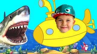 Timko and dad learn underwater world from submarine