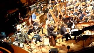 Sinfonieorchester der Robert Schumann Hochschule & Die Toten Hosen - Moorsoldaten