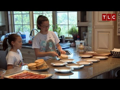 Sibling Rivalry or Love...But Always Breakfast | Kate Plus 8