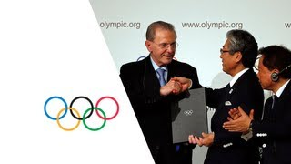 Signature of the Host City Contract and joint IOC/host city press conference