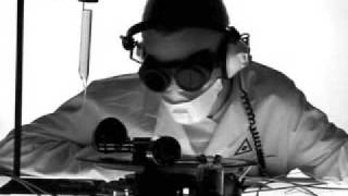 Kode9 - 9 Samurai (Quarta 330 8bit remix)