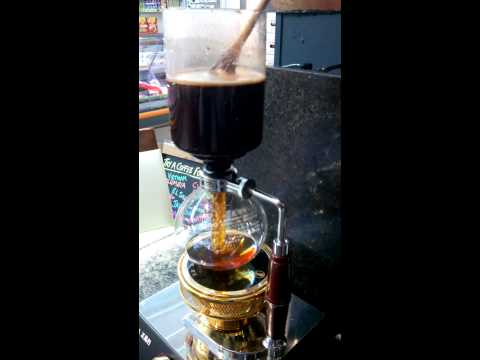Brewing Harar coffee in the Syphon 2