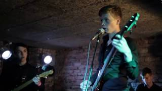Fapella - Welcome to the Friendzone (live at Café v Lese)