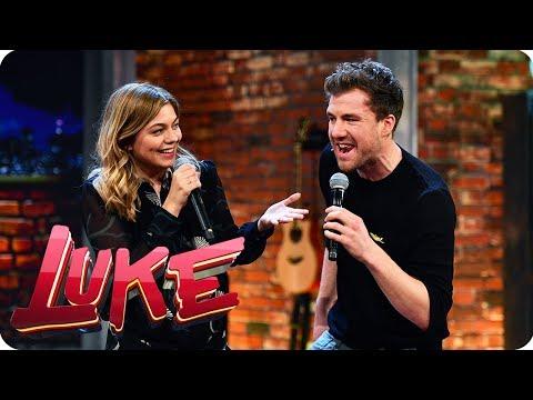 Karaoke Battle - Frankreich vs. Deutschland - LUKE! Die Woche und ich | SAT.1