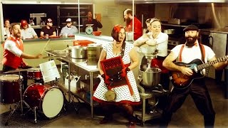 Pot Roast and Kisses - The Reverend Peyton's Big Damn Band