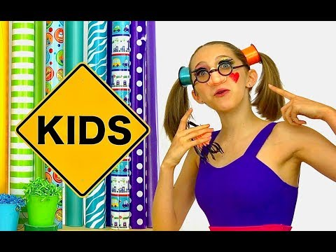 Clippi and Hippi Boxing Factory for Sign Post Kids! Funny Glasses!