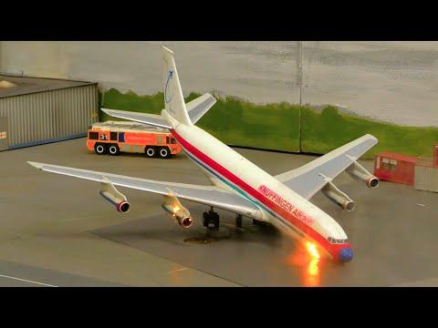 MODEL PLANE ON FIRE | Emergency at Knuffingen Airport | Minituar Wunderland Hamburg