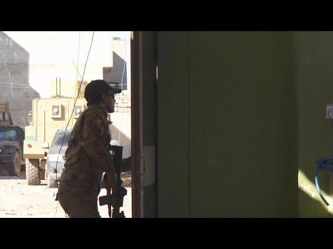 Suicide bomber narrowly misses CBS News crew