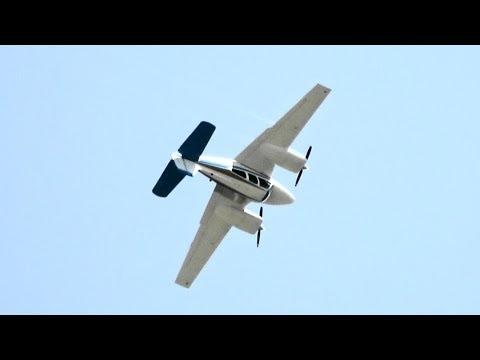 Deadstick Beechcraft Baron by David Martin Oshkosh 2018 - Sunday