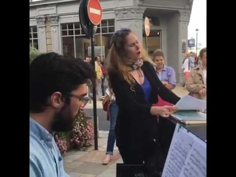 Opera au Coin de la rue
