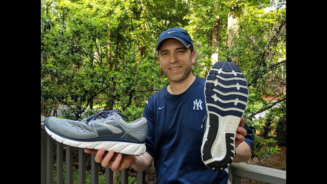 Brooks Glycerin 16 Shoe Review - YouTube