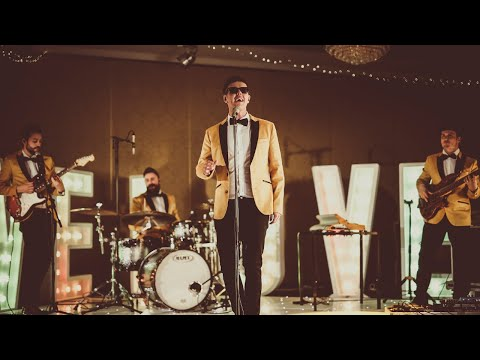 Male Fronted Soul, Funk & Pop Band | The Young Vinyls