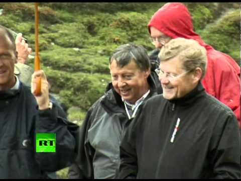 Rare footage: 2011 Bilderbergers mountain walk - can you name them all?