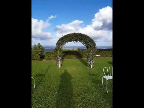 eagle-heights-mountain-resort-outdoor-area,-mt-tamborine-wedding