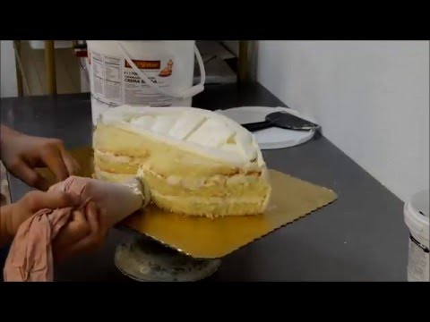 How to make a Lip Shaped Birthday Cake
