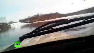 Во Владивостоке водитель УАЗ добрался до суши