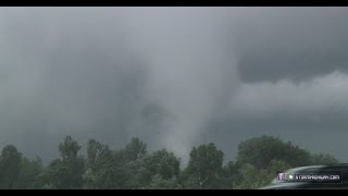 St. Louis tornado - debris & jetliner flythrough - Hwy 370 at Earth City, MO - June 7