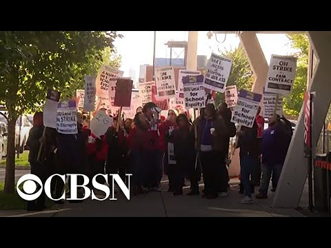 Chicago teachers strike after failing to reach contract deal