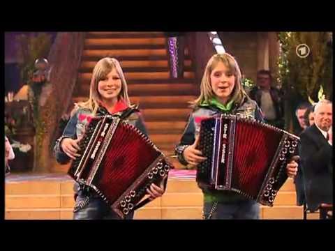 Die Twinnies - Bayernmädels