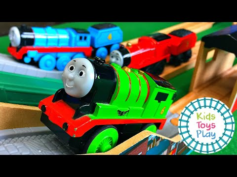 Thomas and Friends Mystery Wheel Motorized Wooden Railway Toy Train Races