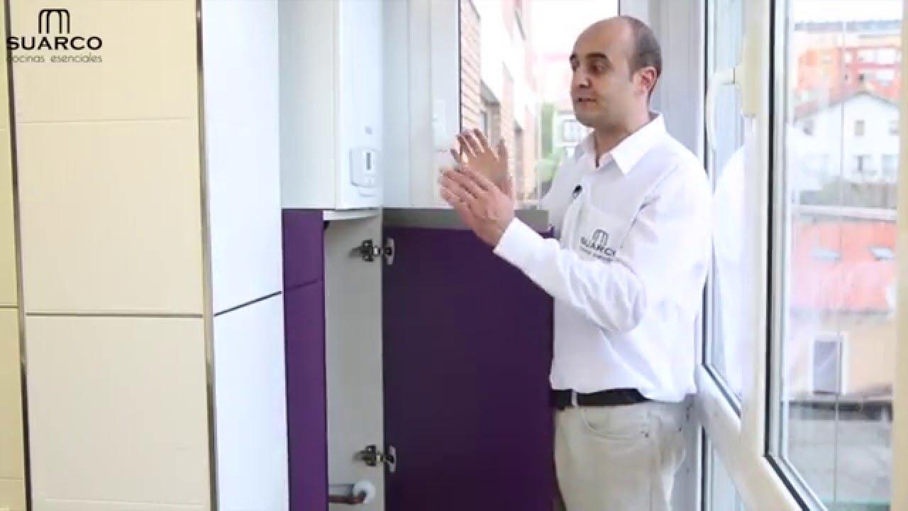 Video cocinas modernas berenjena brillo con encimera for Muebles de cocina suarco