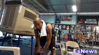 Robert Garcia Watching Floyd Mayweather train Gives his Evaluation .EsNews Boxing