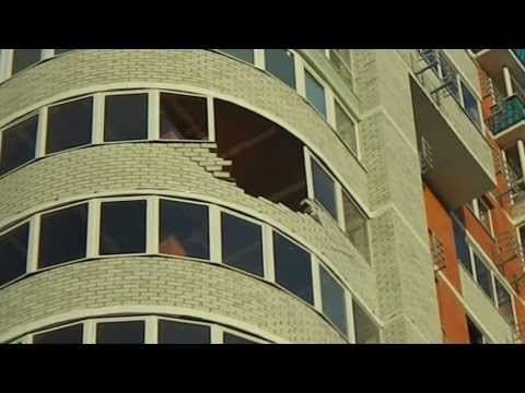 разрушена лоджия в результате небольшого порыва ветра в Оренбурге