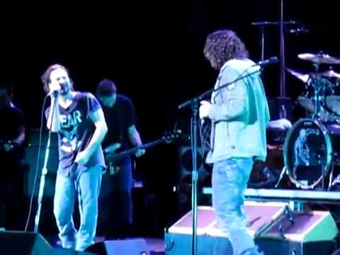 Eddie Vedder,Chris Cornell ~ Hunger Strike