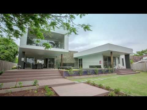 """Hidden Paradise"", Broadbeach Waters, Queensland - Elite Holiday Homes"