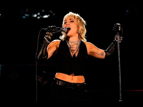 Watch Miley Cyrus Cover Queen Classics at NCAA Final Four Concert