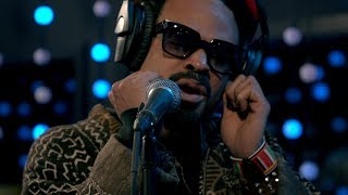 Bilal - White Turns To Grey (Live on KEXP)