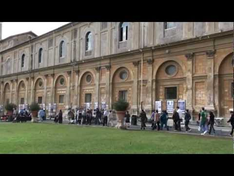 20121015140850 Pine cone Courtyard- Vatican