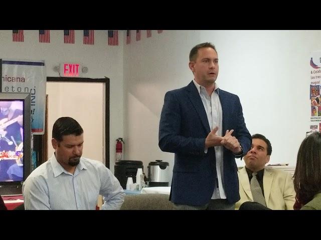 Josh Olerud habla en Casa Dominicana de Hazleton