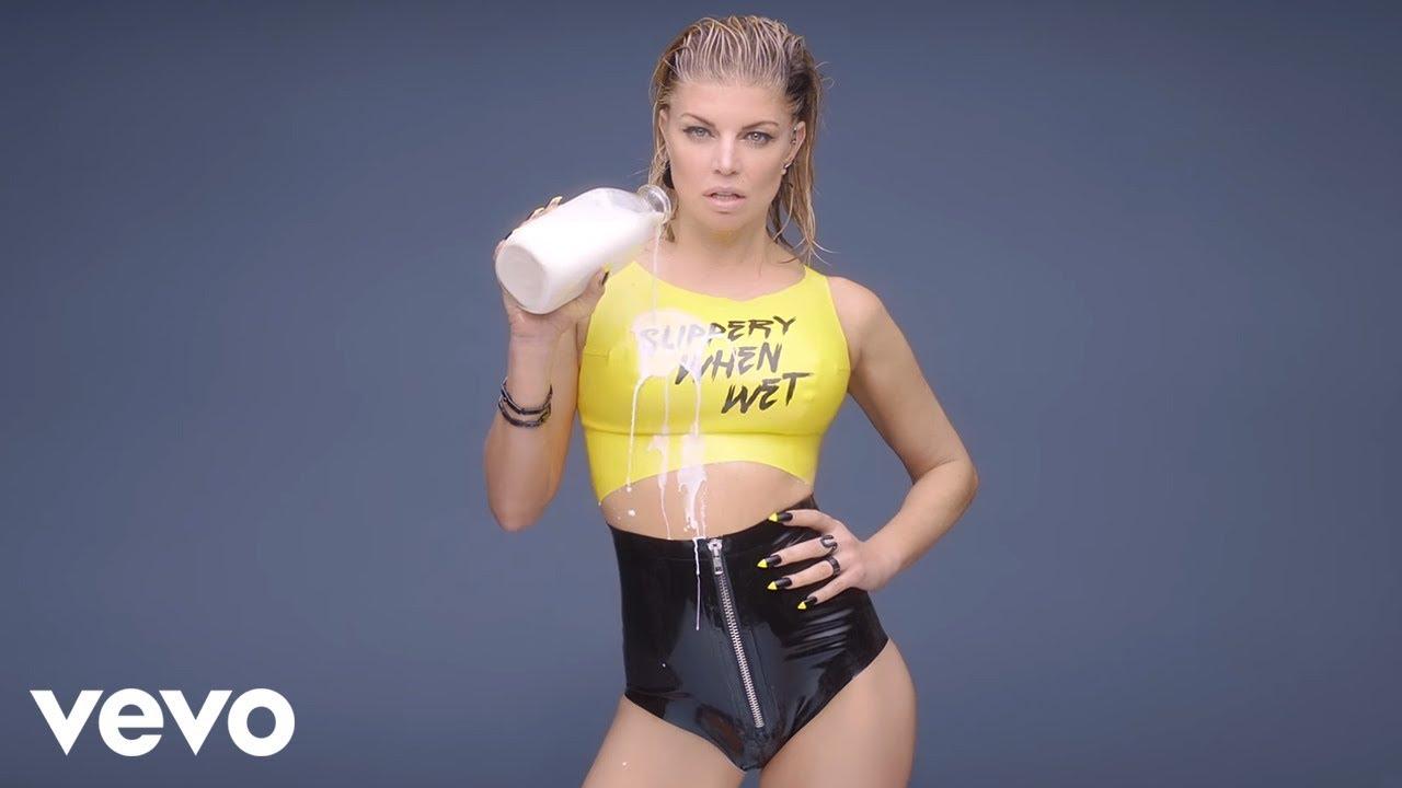 Black Eyed Peas Frontfrau Fergie ist eine Milf - Musikvideo