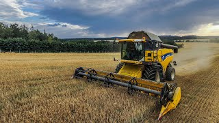 New Holland CX860 and New Holland TX68 Plus | Harvest