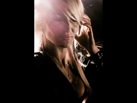 Claudia Cazacu feat. Audrey Gallagher - Freefalling ( Original mix )