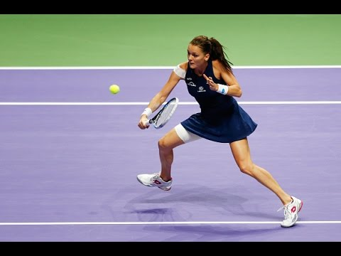 Agnieszka Radwanska vs Garbine Muguruza Semifinals | 2015 WTA Finals Highlights