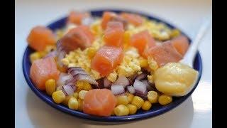 Салат с красной рыбой, домашним майонезом и кукурузой. Вкусный салат на праздник!